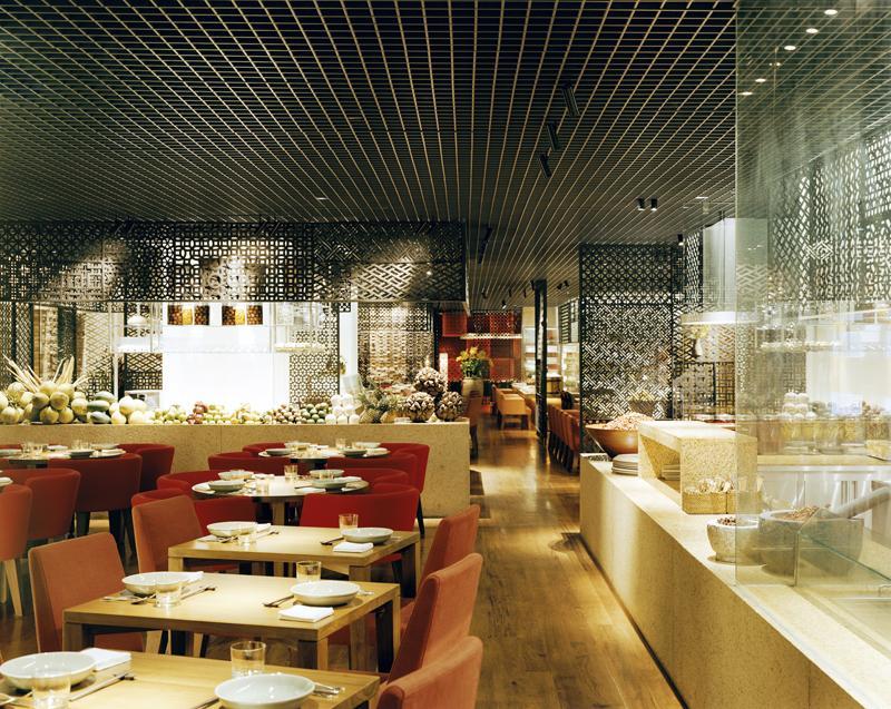 square-one-restaurant--from-vietnamese-show-kitchen.jpg